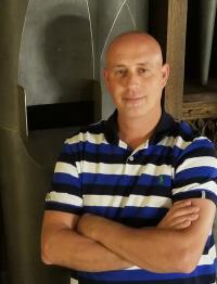 Benjamin Horrell : Associate Director of Music